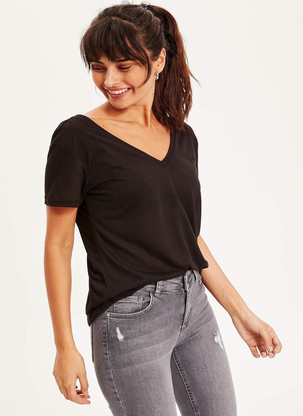 Defacto V Yaka Basic T-shirt K2768az18hsbk46t-shirt – 24.99 TL